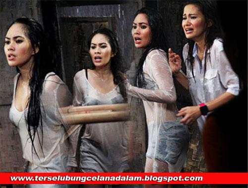 Gallery Foto Seksi Kartika Putri Saat Mandi Bugil Kumpulan Bokep