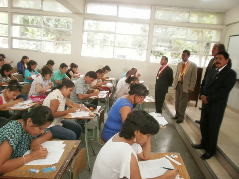 Las autoridades supervisaron aula por aula