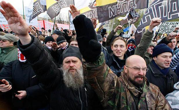 Русские националисты собрались завтра маршировать по Киеву