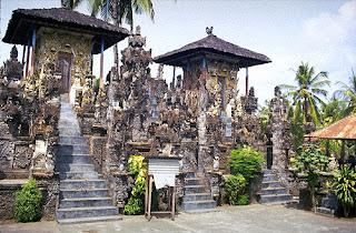 Tempat Wisata Terbaik : Daerah Wisata Di Bali - Pura Dalem Sangsit yang lagi Hits
