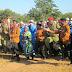 MWENGE WA UHURU 2014 WAMALIZA MBIO ZAKE MKOANI RUKWA LEO, WAMMULIKA MLEMAVU WA NGOZI (ALBINO) ALIYEKATWA MKONO MWAKA JANA