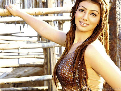 Ayesha Takia Bollywood Item Girl Wallpaper-1600x1200-13