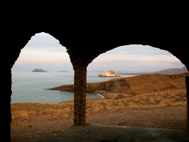 The beautiful side of Baja.  On the way to Gonzaga Bay.  This place was abandoned.