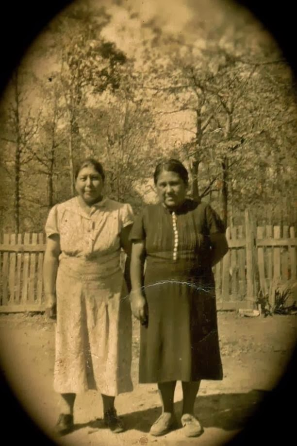 chickasaw women This article is part of an occasional series associated with the goal of preserving the approximately 300 acres that remain of chokkilissa', meaning deserted dwelling or place.