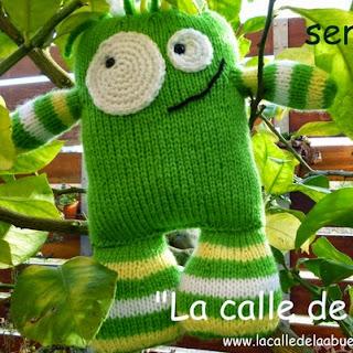http://lacalledelaabuela.blogspot.com.es/2014/12/el-monstruo-green-un-cuento-y-un-patron.html