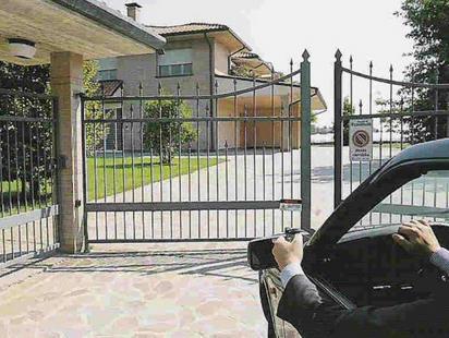 Porqu utilizar puertas autom ticas en el garaje - Puertas para cocheras electricas ...