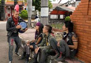 Anak Jalanan, cerita anak jalanan, pengemis, gelandangan, pemanfaatan anak, anak punk, anak punk bikin ulah, anak punk resek