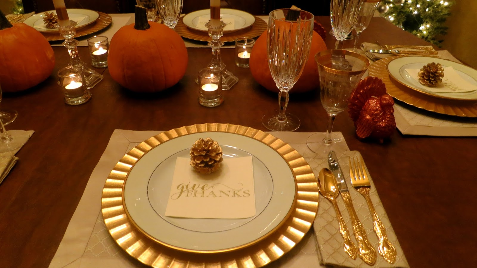 paper trails and scattered pictures: a tablescape for thanksgiving