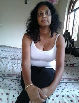 share to pinterest labels desi desi aunty desi aunty pictures priyanka