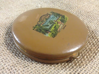 1950s VINTAGE Round Leather Powder Compact with Sydney Harbour Bridge