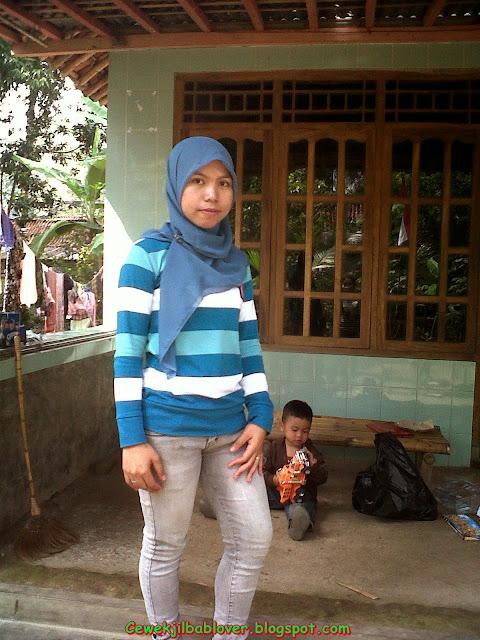 Foto Mesum Cewek Berjilbab Terbaru 2013