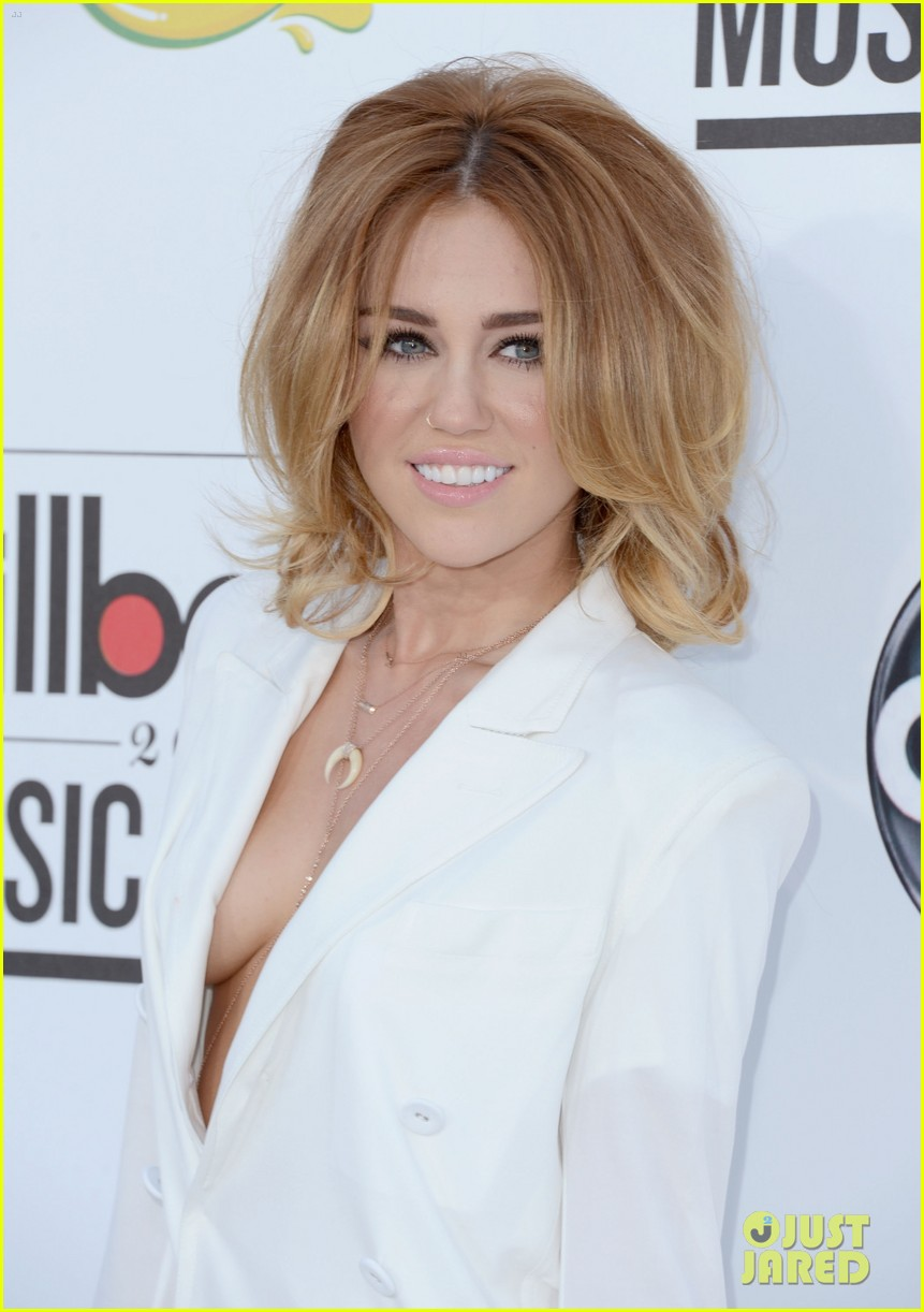 Miley Cyrus Hot 2012