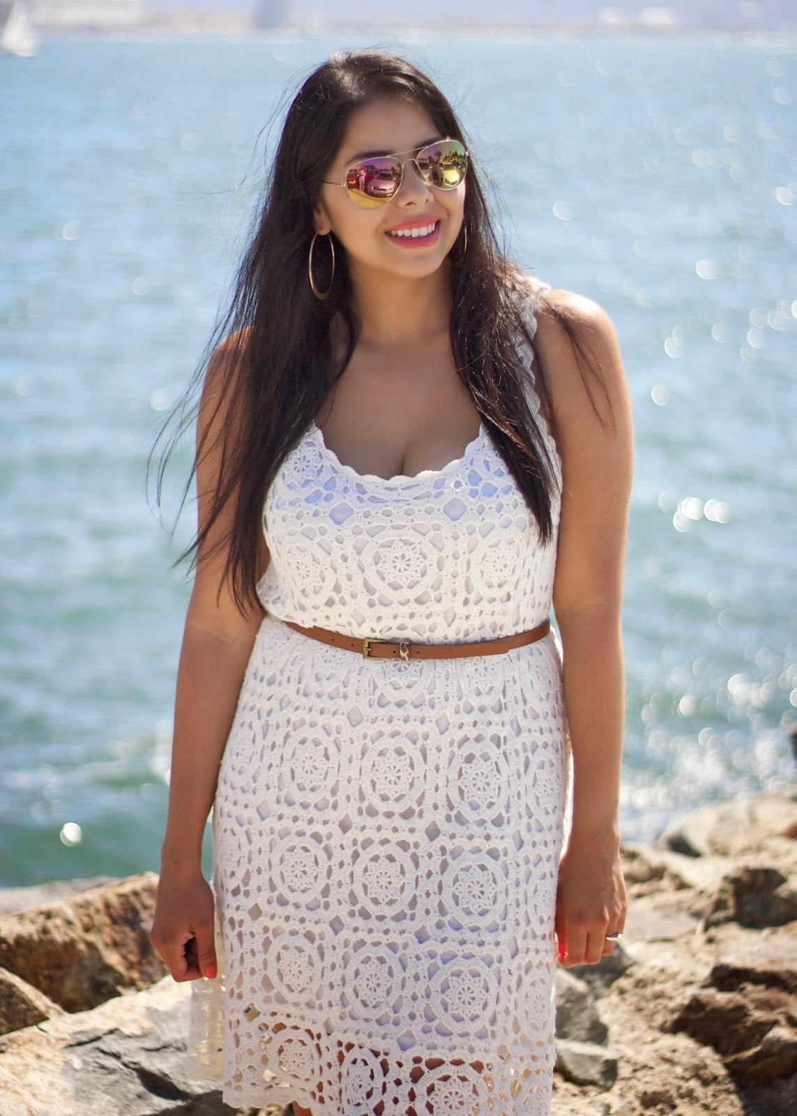 perfect summer 14 outfit, casual summer outfit, cream crochet, beige crochet dress, crochet paired with gold, forever 21 gold mirrored sunglasses