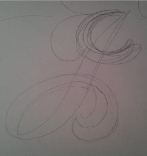Løvbokstav, første blyantlinjer.