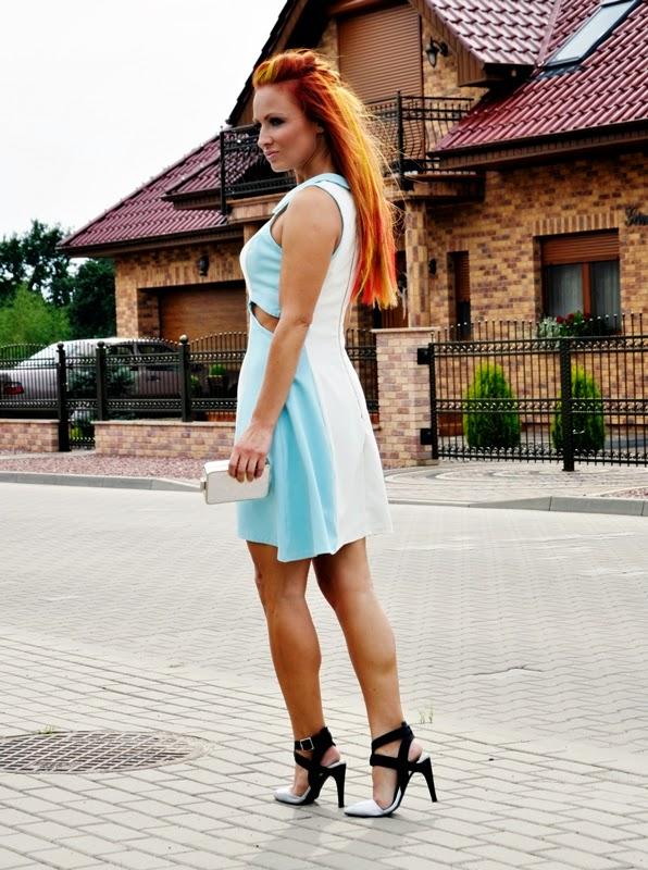 Białe z niebieskim