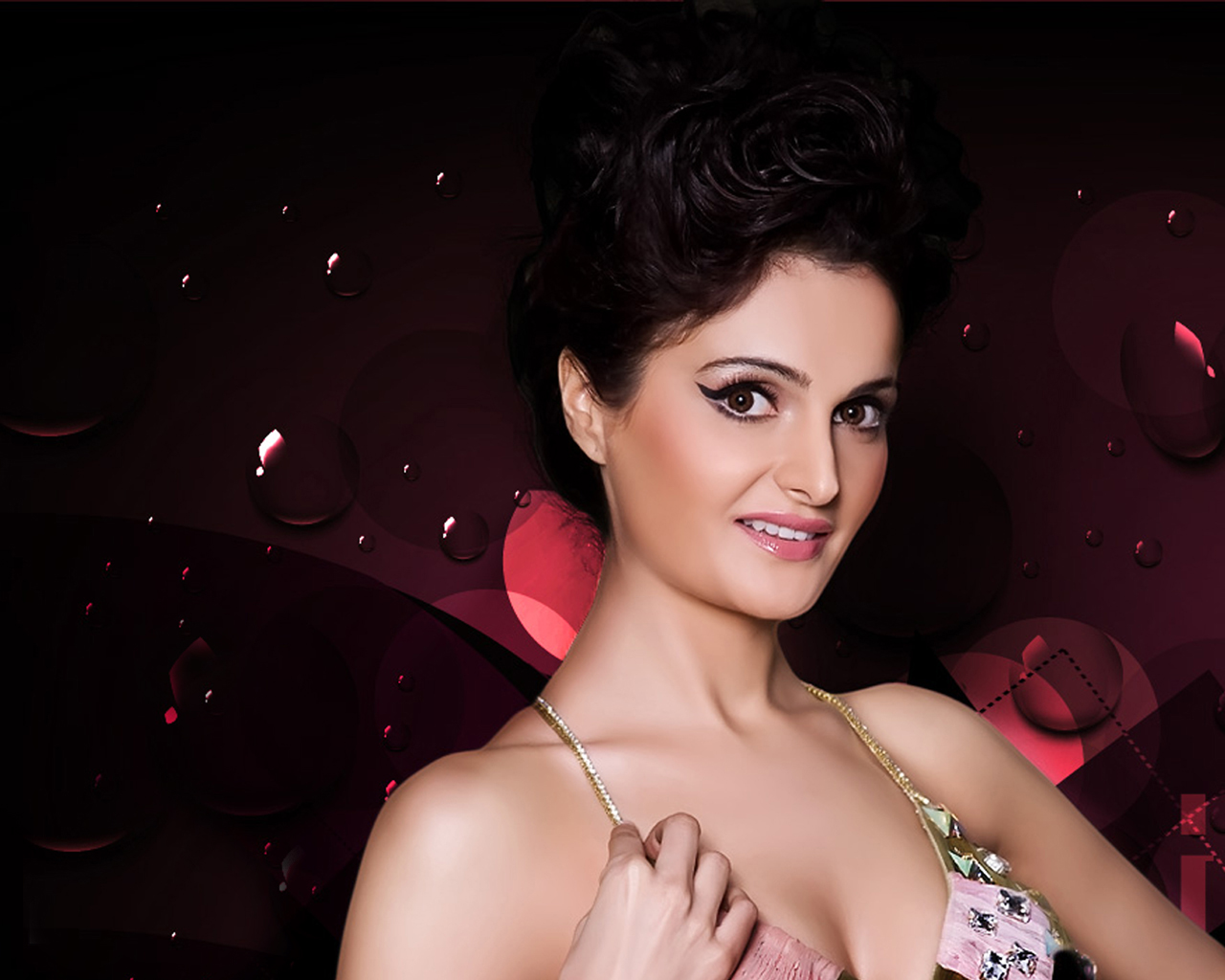 Photoscape - Download Monica bedi hot pictures