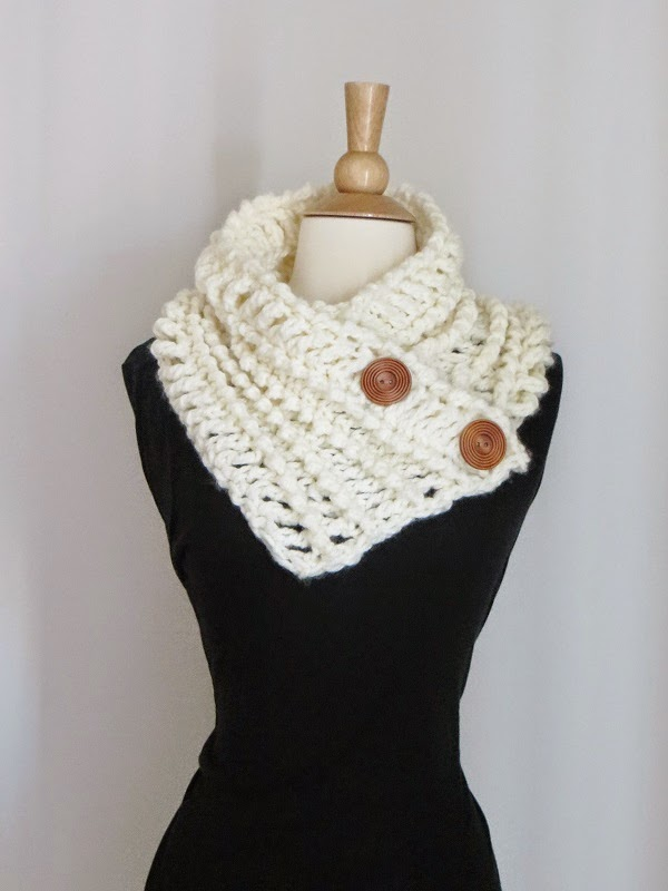 Crochet Dreamz: Diana Buttoned Cowl,Free Chunky Cowl ...