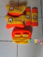 Bantal Mobil 3 in 1 Garfield