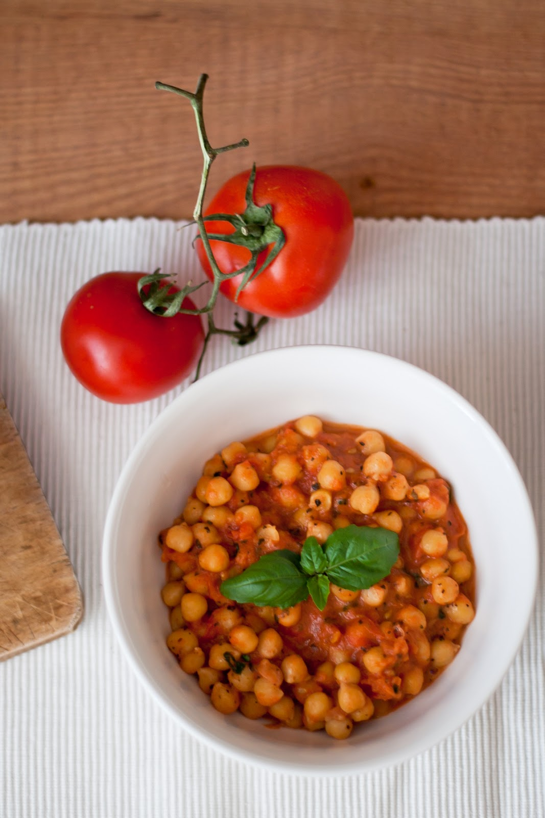 fit dinner chickpeas with tomatoes vegeterian
