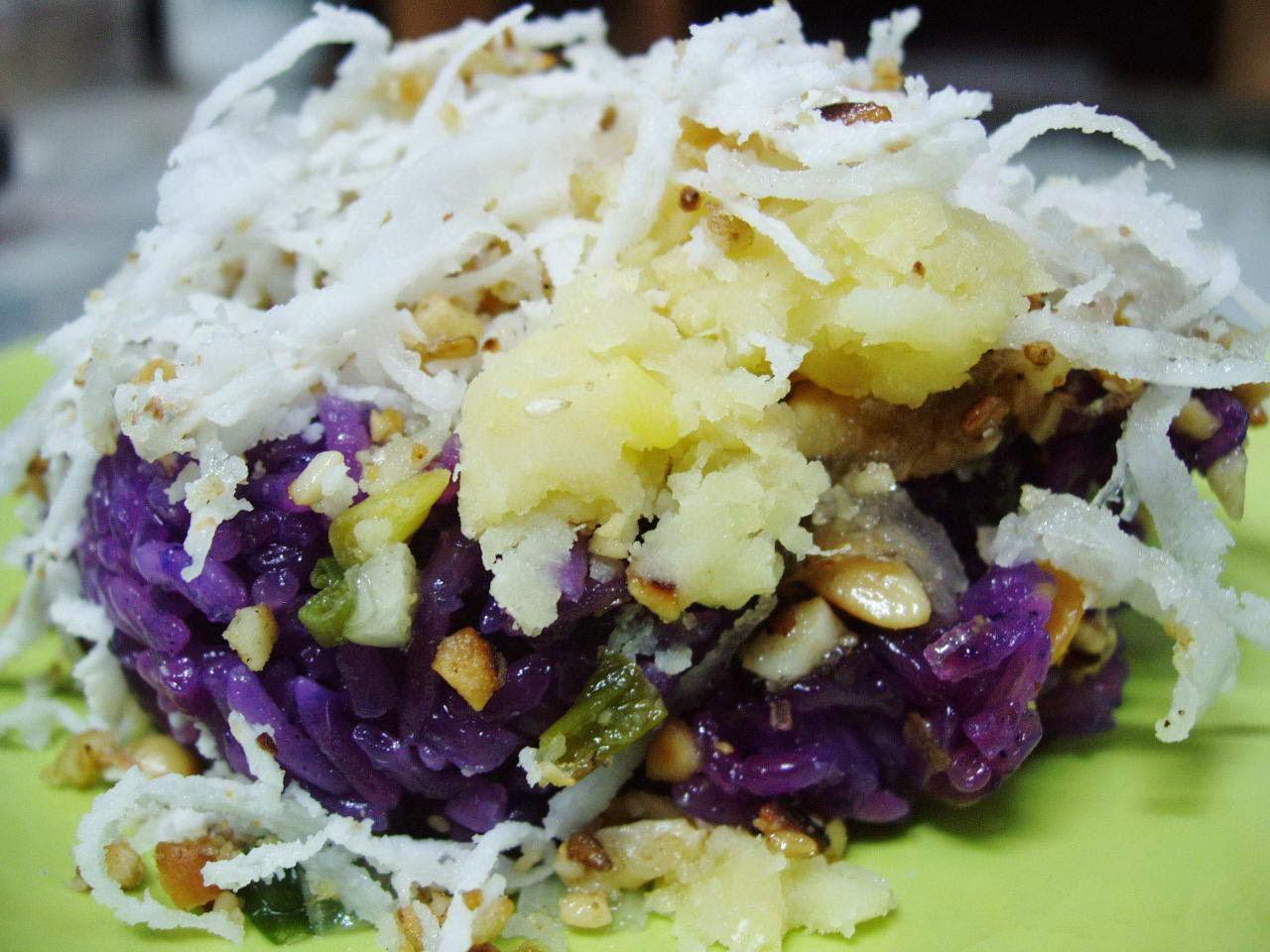 (Xôi Lá Cẩm) - Steamed Sticky Rice with Cẩm Leaves