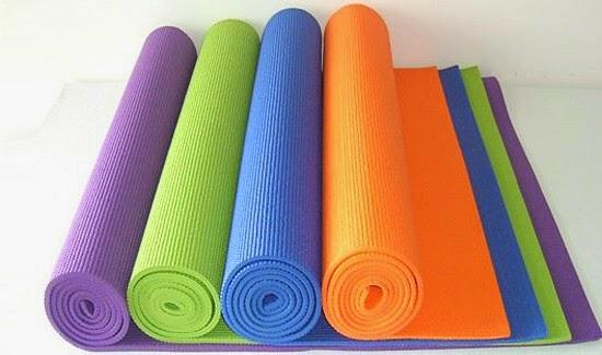 Коврик для йоги нескользящий