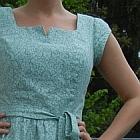 http://miniextravaganz.blogspot.de/2015/05/mein-geburtstagskleid-simplicity-7602.html