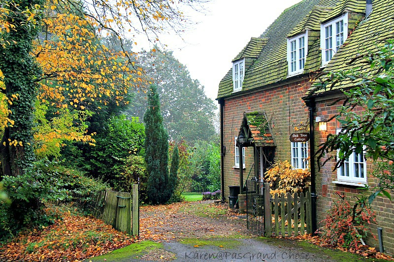 Pas grand chose english village autumn for Pictures of english country cottages