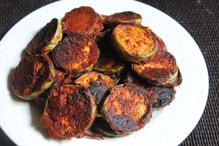 how to prepare big brinjal fry