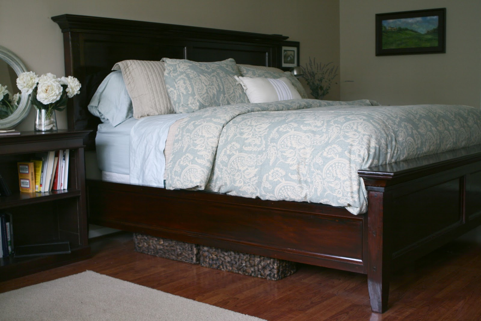 Simply darling designs farmhouse bed for Farmhouse bed plans