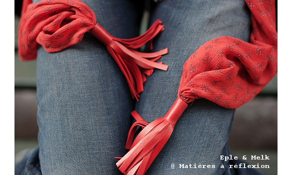 foulard rouge eple melk freesia mati res r flexion paris. Black Bedroom Furniture Sets. Home Design Ideas