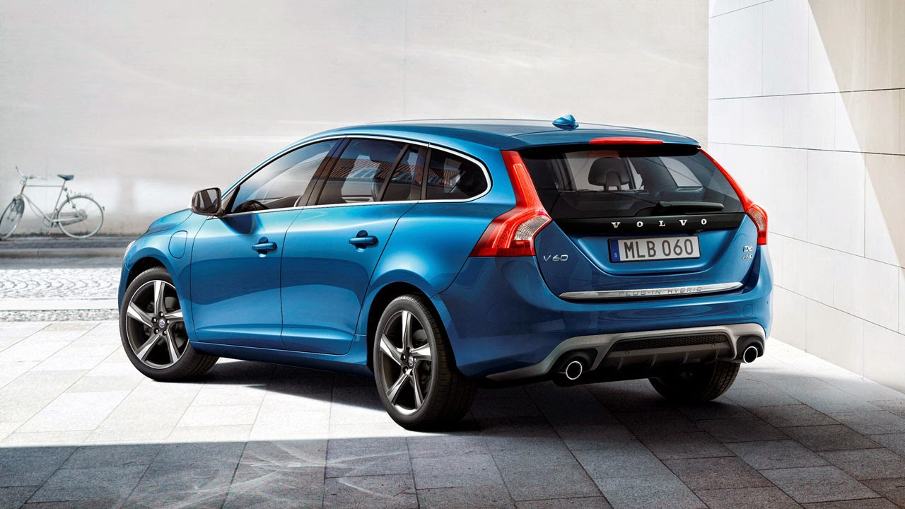 Volvo V60 Plug-In Hybrid R-Design rear side