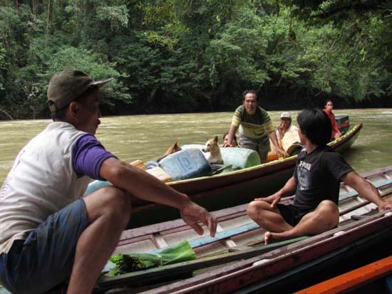 Mengenal Kehidupan Suku Dayak Punan (Suku Primitif Asal Kalimantan ...