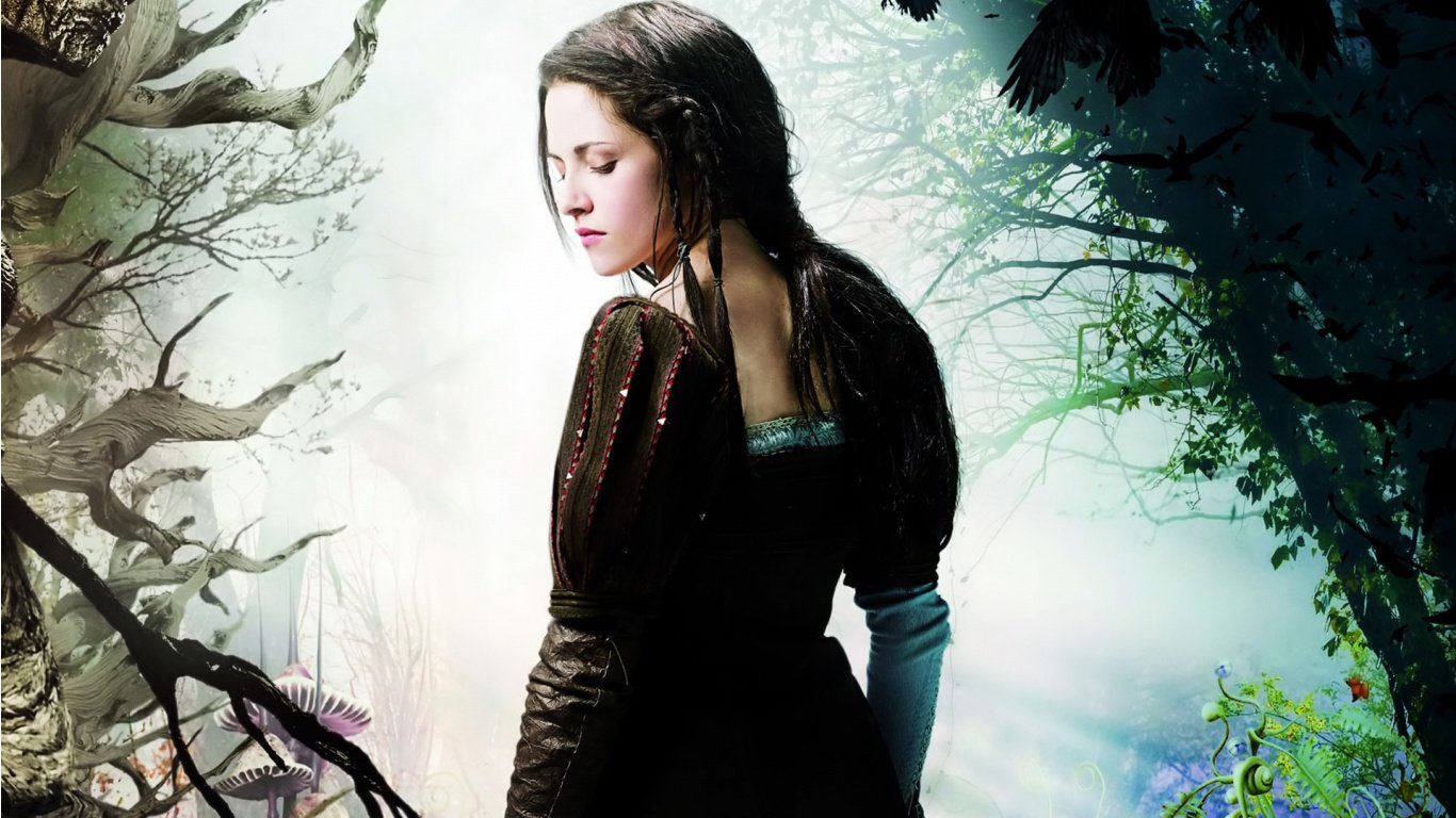 http://2.bp.blogspot.com/-UAXF8_I_Ksw/T7TMKRdr4rI/AAAAAAAACNs/docAbaKkaAc/s1600/kristen_stewart_in_snow_white_and_the_huntsman-1366x768.jpg