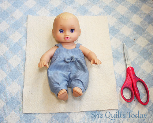 Cama acolchada para muñecas