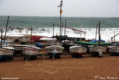 Barques i temporal a Sant Antoni de Calonge