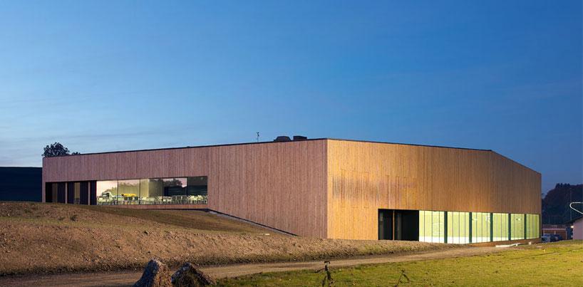 urba actu la salle de sport du lussy par virdis architecture chatel st denis suisse. Black Bedroom Furniture Sets. Home Design Ideas