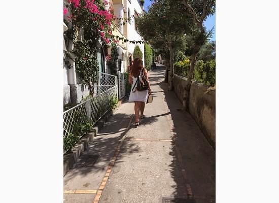 Walking-in-Capri
