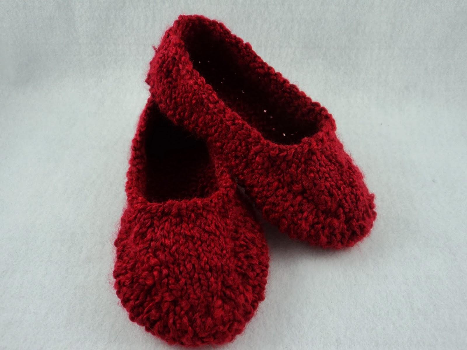 moniqueraedesigns: New! Ladies Knit Slipper Pattern