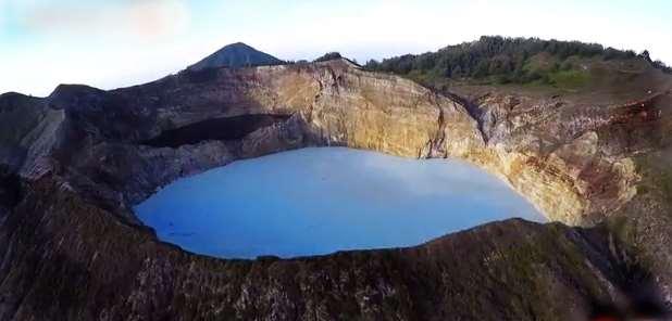 Gambar pesona wisata alam di Danau-Kelimutu-NTT