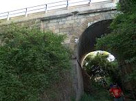 Sortint del Pont de les Gitanes o de la Riera de l'Om