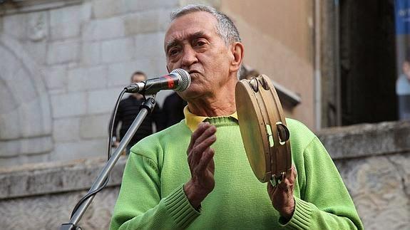 http://blogdeartisticalasmusasdehelicon.blogspot.com.es/2015/03/ismael-en-el-concierto-didatico-de-paco.html