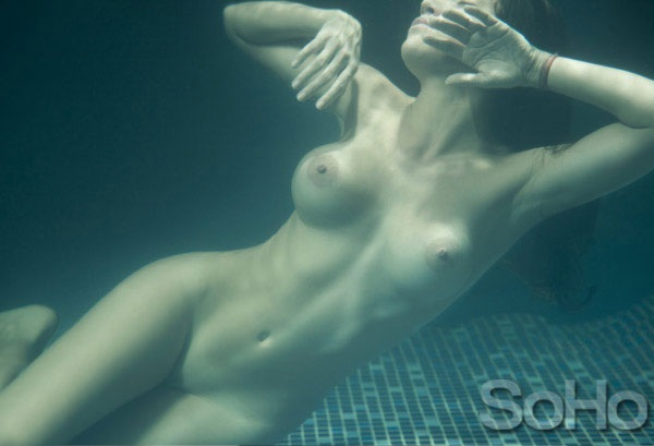 Valentina Lizcano Take Nude Swim For SoHo