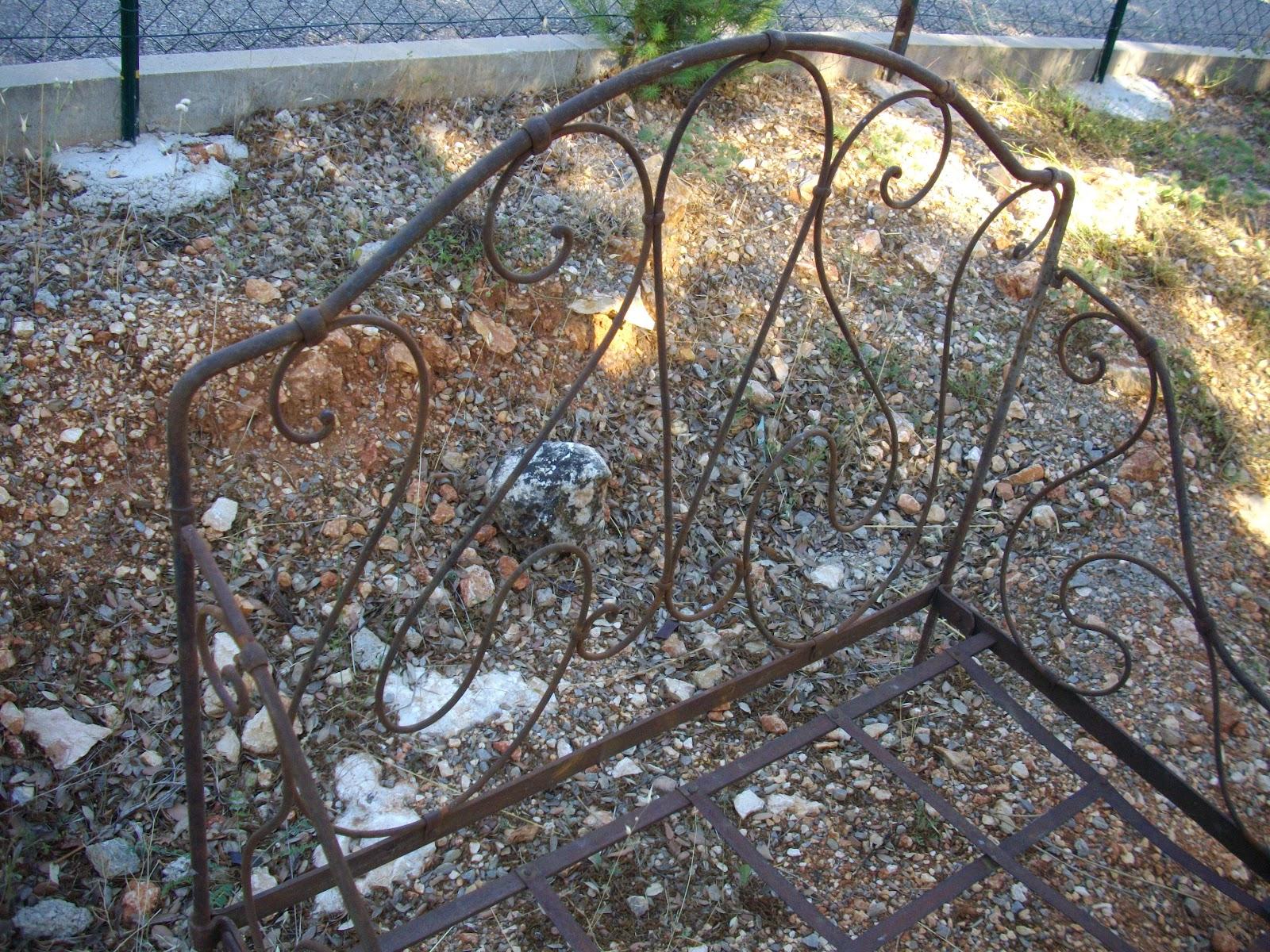 ancienne paire de banquette fauteuils pliantes en fer forg salon de jardin i. Black Bedroom Furniture Sets. Home Design Ideas