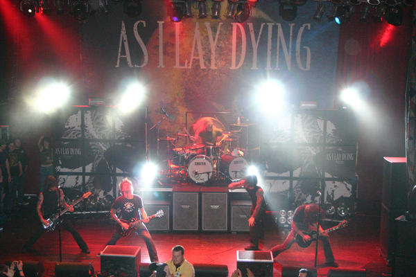 as_i_lay_dying-the_powerless_rise_photo