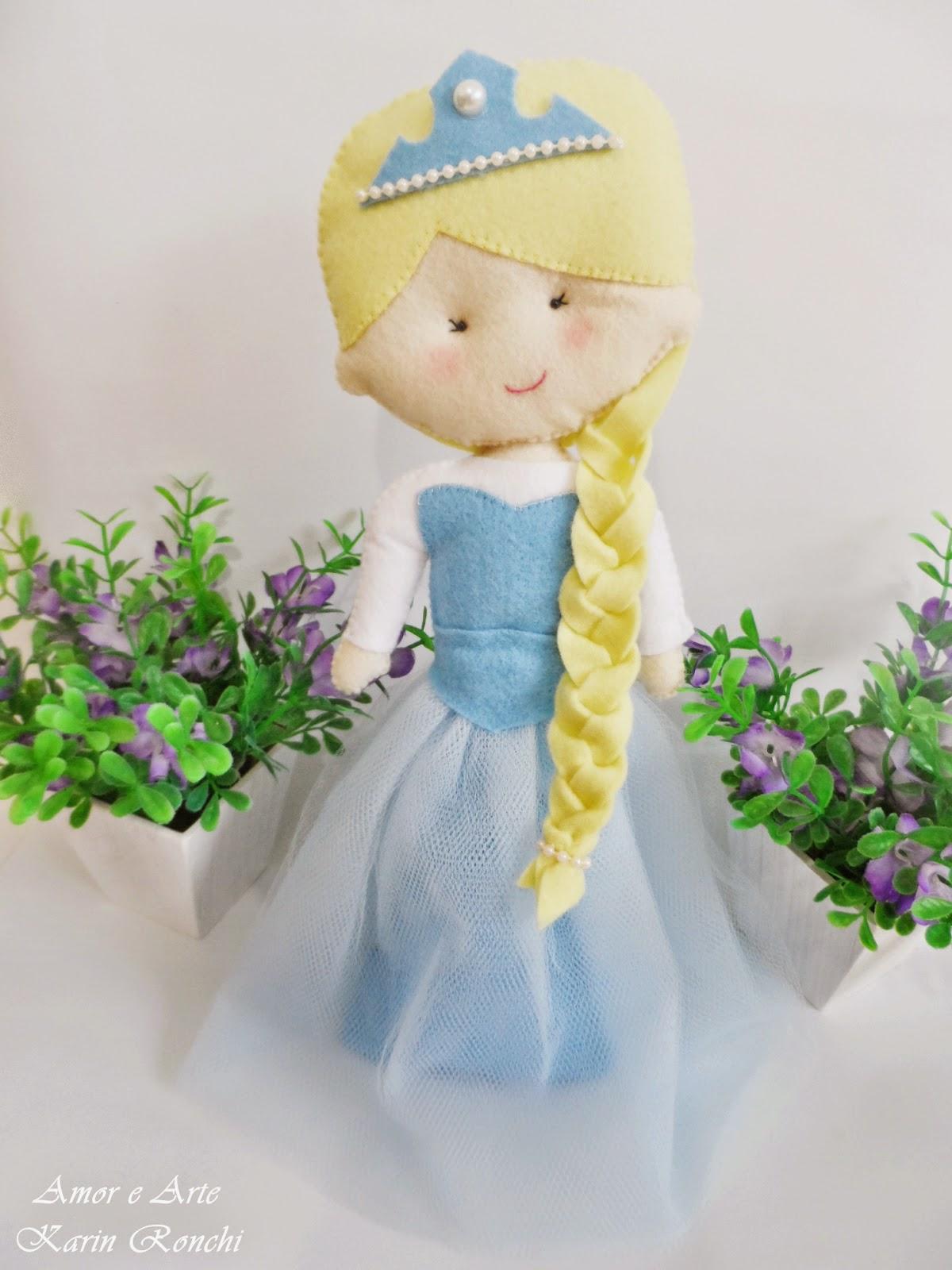 Elsa Frozen, peso de porta em feltro