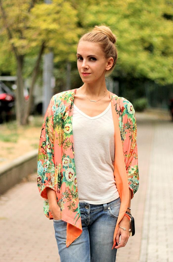 kimono, floral, boyfriend jeans