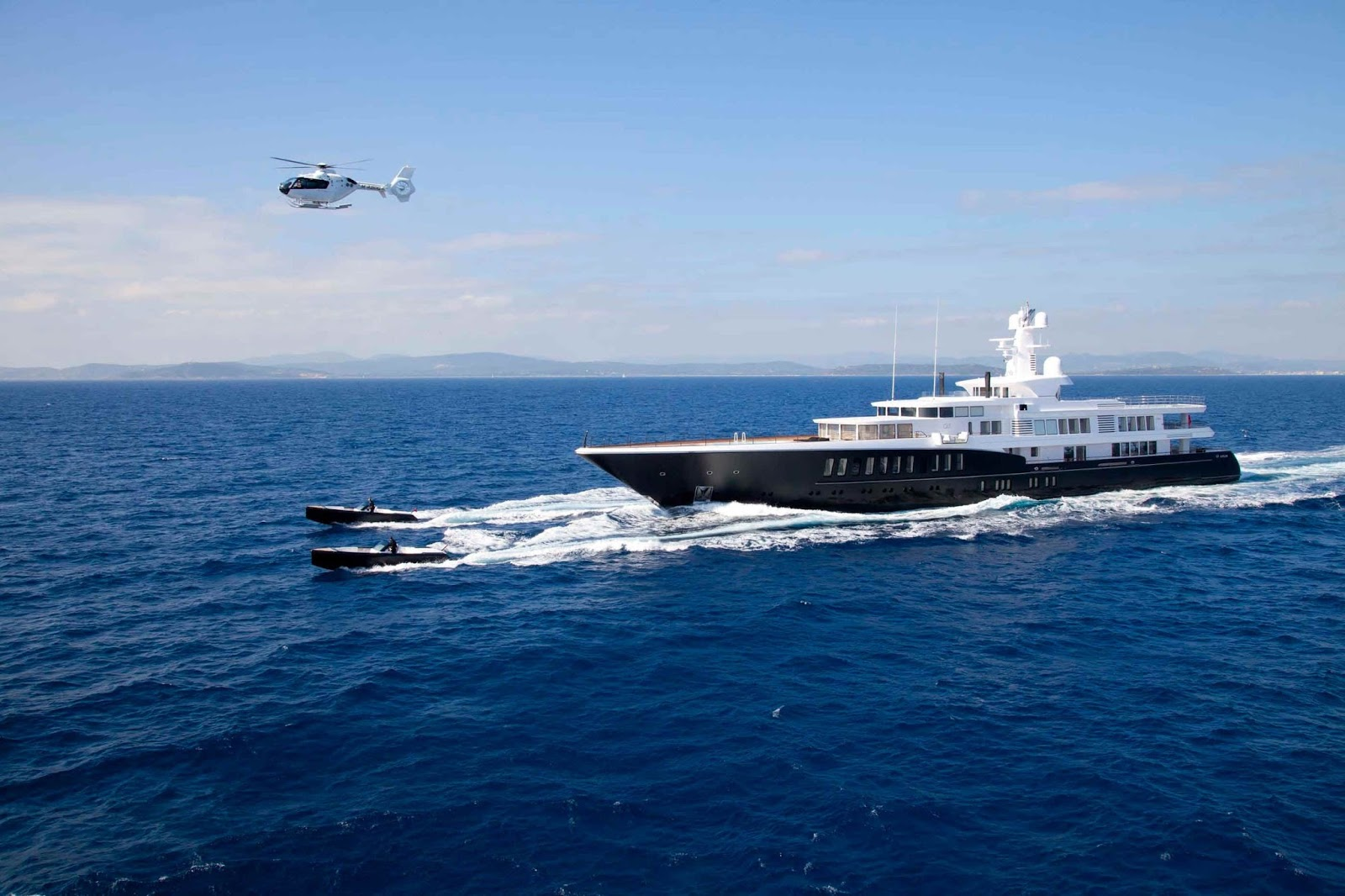Superyacht AIR