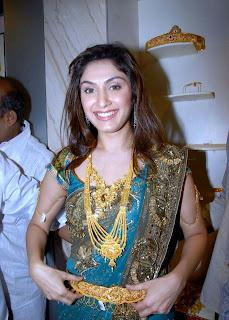 Manjari Phadnis Spicy Actress