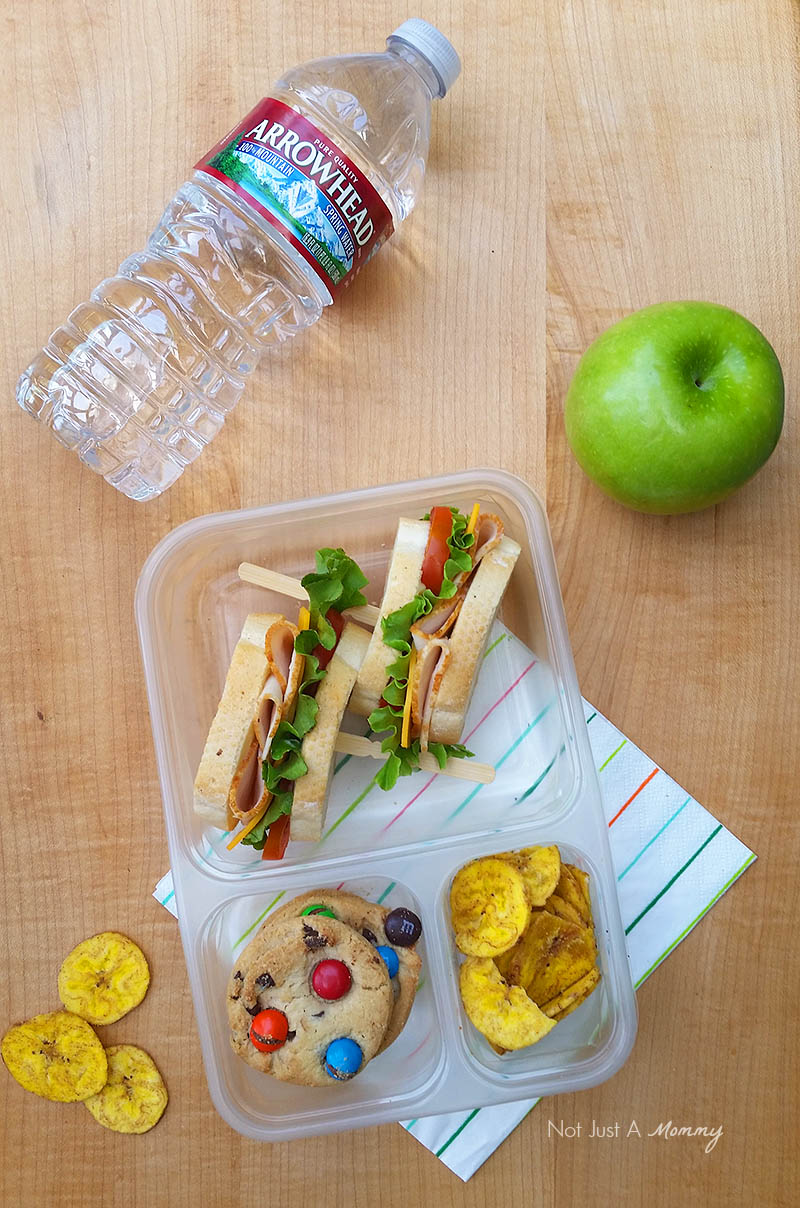 Make Lunch  Easy With Foster Farms; sandwich with water