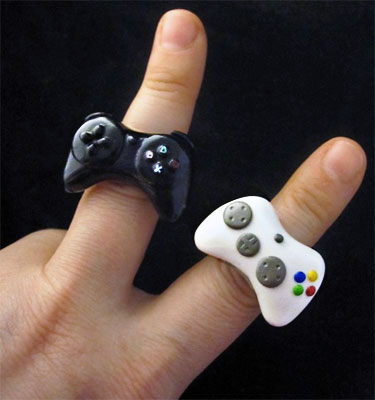 im not a wedding person and dont get very sentimental but even these geeky marriage proposals make me go dawh - Gamer Wedding Rings